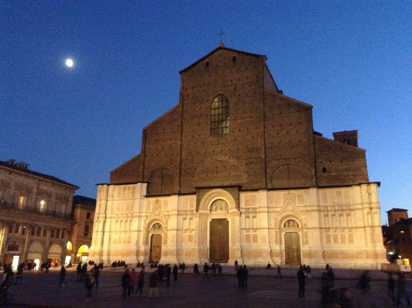 San Petronio by night